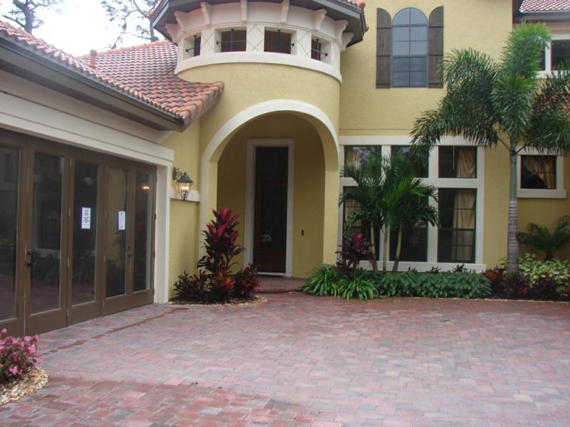 Bella casa single family homes tampa florida for Casa bella homes