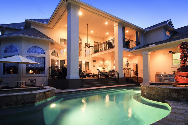 Houston Large Home For Sale In Bellaire Texas With 5 6 Bedrooms Pool And Spa On Large Lot