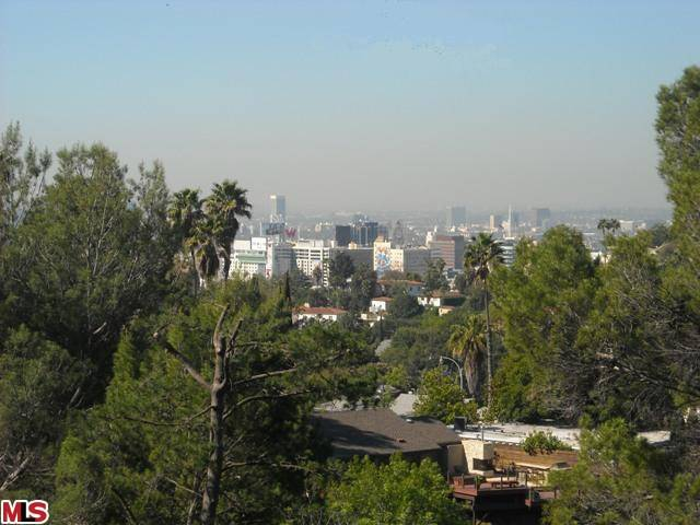 vacan land in Hollywood Hills East, Endre Barath