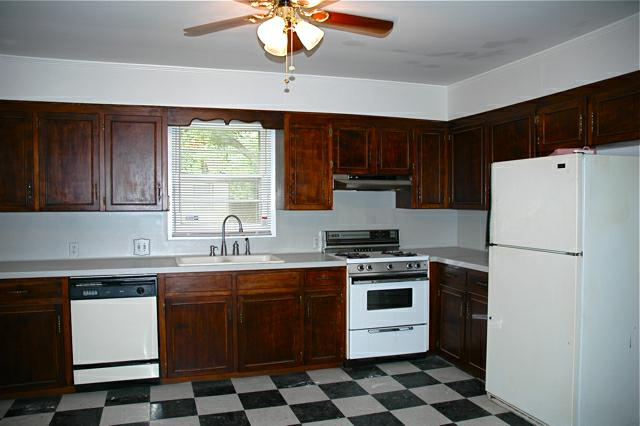 208 sunset drive in Lafayette, la - Kitchen
