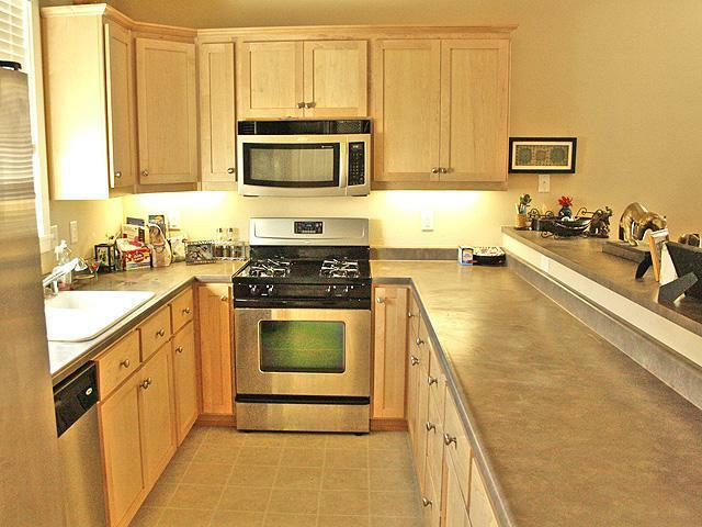 2867 Lanning, Redding CA Kitchen View