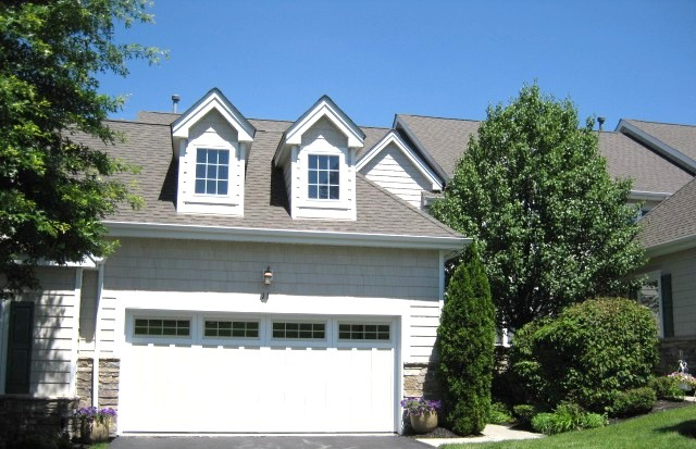 Mansion Ridge gated community with luxury homes and townhouses Monroe NY