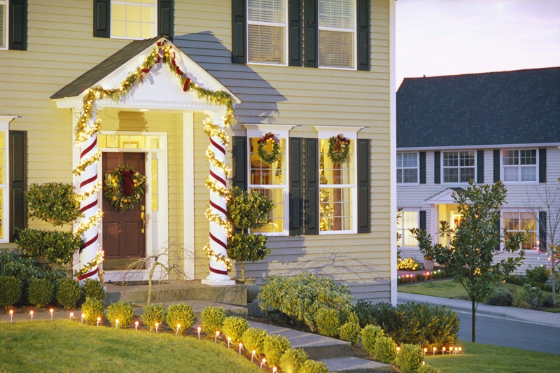 Redding CA: Christmas Decorating Contest ~ 26th Anniversary