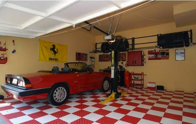 Car-lover's Garage