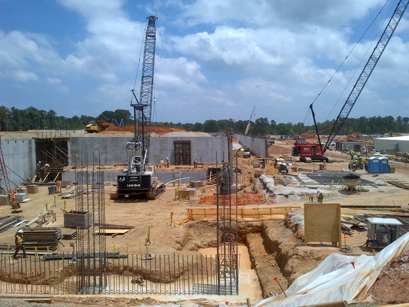 Baxter building bio pharmaceutical manufacturing center in for Construction bio