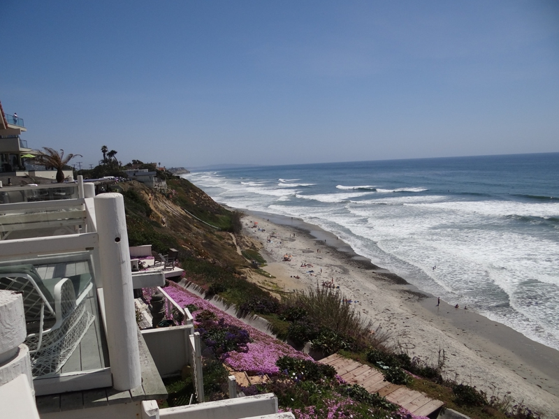 Encinitas Oceanfront Homes for Sale on Neptune Avenue - Neptune Avenue Oceanfront Homes for Sale