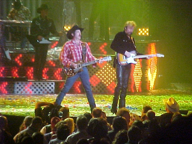 Brooks & Dunn - 2002 Neon Circus - Las Vegas - Photo by Roland Woodworth