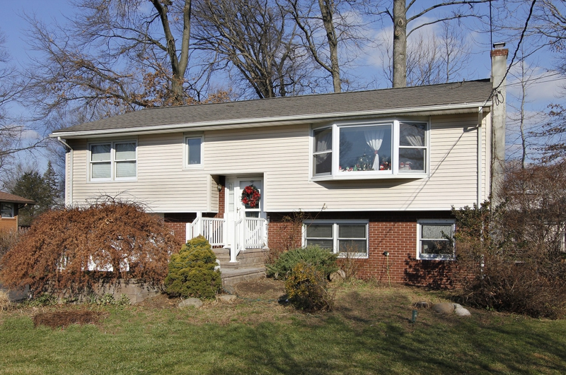 Updated Mother Daughter For Sale In Fairfield NJ