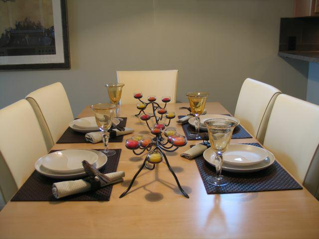 Contemporary townhome table setting Hood River Oregon & A Few Fav Table Settings - Contemporary \u0026 Serene Staging Bling