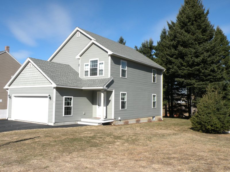 3 brm home for sale westbrook maine 04092