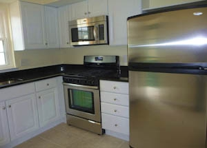 17 Bellows Brand new kitchen HomeRome 410-530-2400