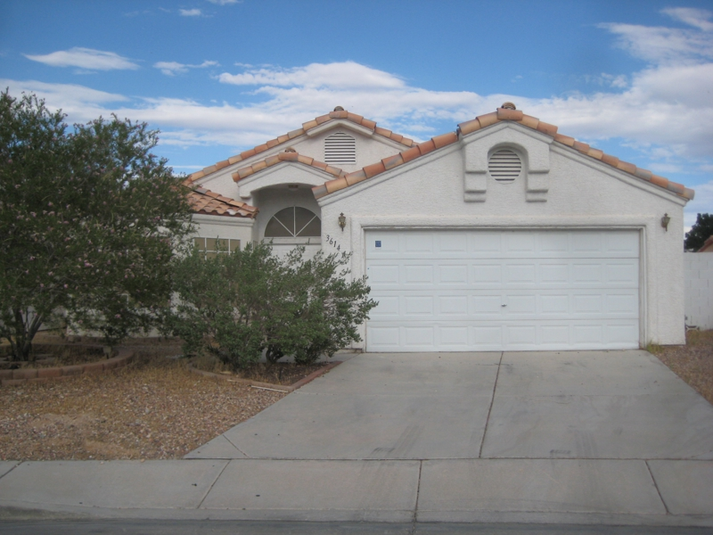 North las vegas 1 story home for sale 94 900 north las for Home for sale in las vegas with pool