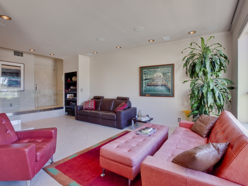 221 S Gale Dr #305 Beverly Hills,CA
