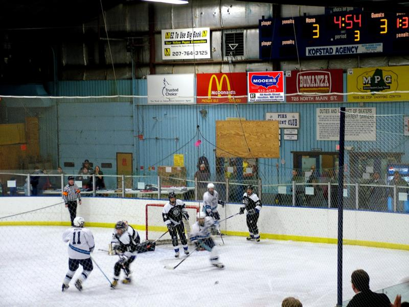 maine class b hockey game,mooers realty, presque isle maine wildcats, houlton hodgdon blackhawks