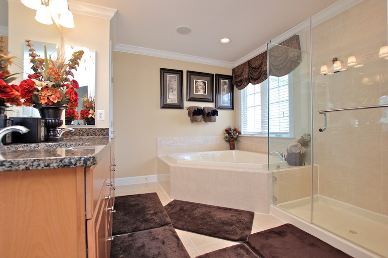 3807 Bell Manor Ct Falls Church Virginia Master Bath