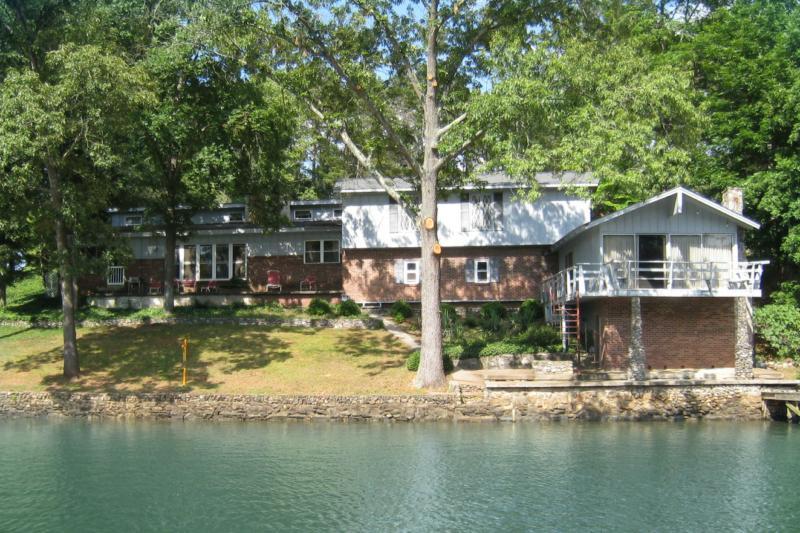 Lake Hickory North Carolina Life In Hickory