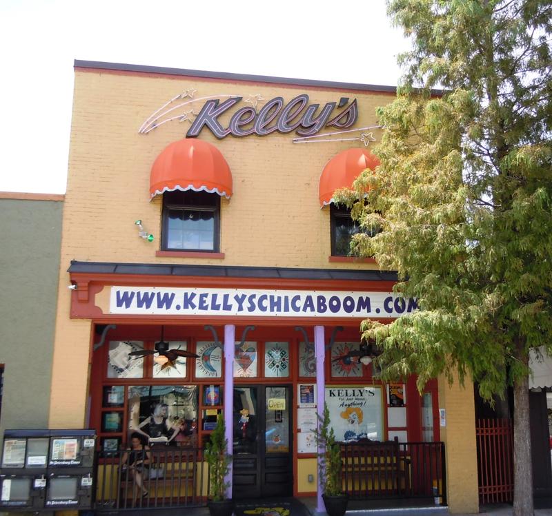 Kelly 39 s restaurant 319 main street dunedin florida for The living room on main dunedin fl