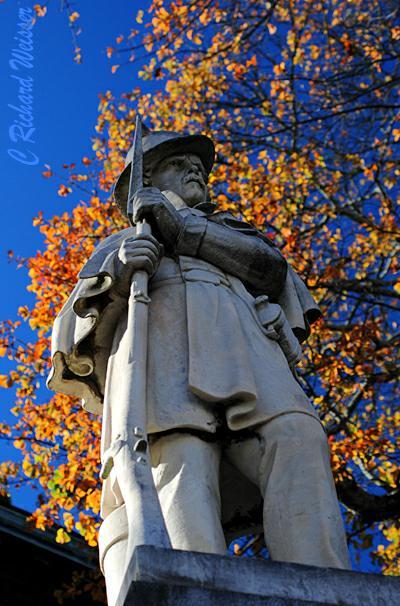 Statue of soldier by Richard Weisser