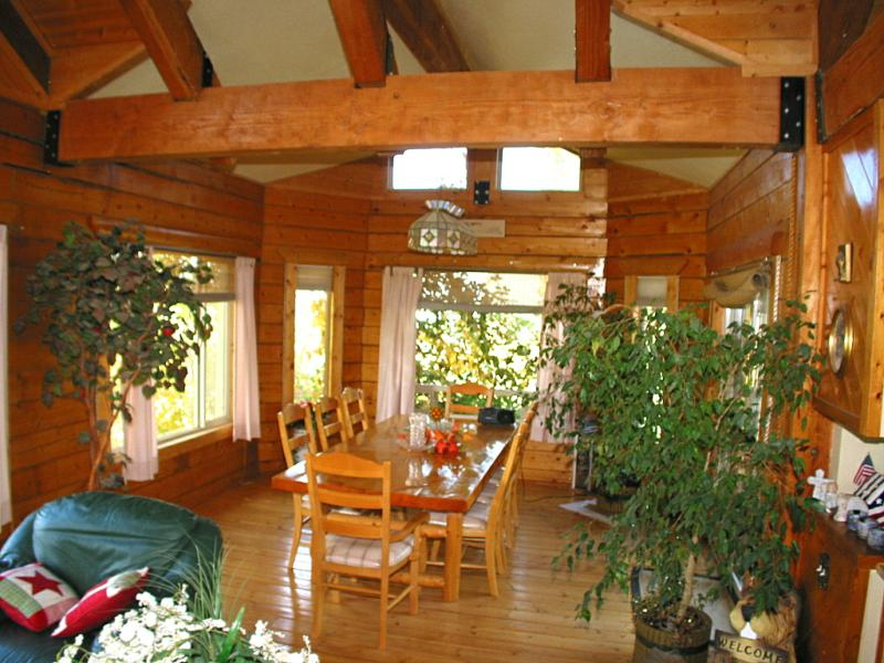 Over 3 700 Sf Log Home Nampa Idaho Short Sale