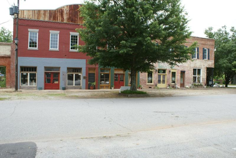 Colbert, GA Old Town Photo by Mike Saunders
