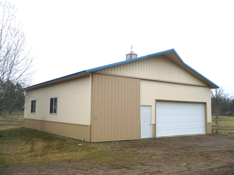 Central minnesota home pole barn on riverfront for Two story homes under 200k
