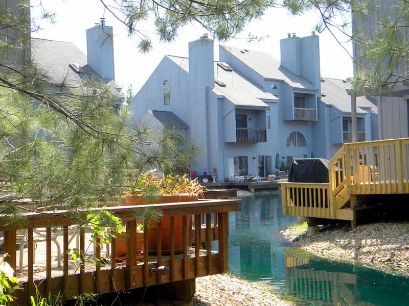 Waterfront homes for sale in Reston. The Wharf: cool classic ...