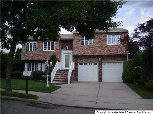 Mother Daughter Houses For Sale On Long Island Ny