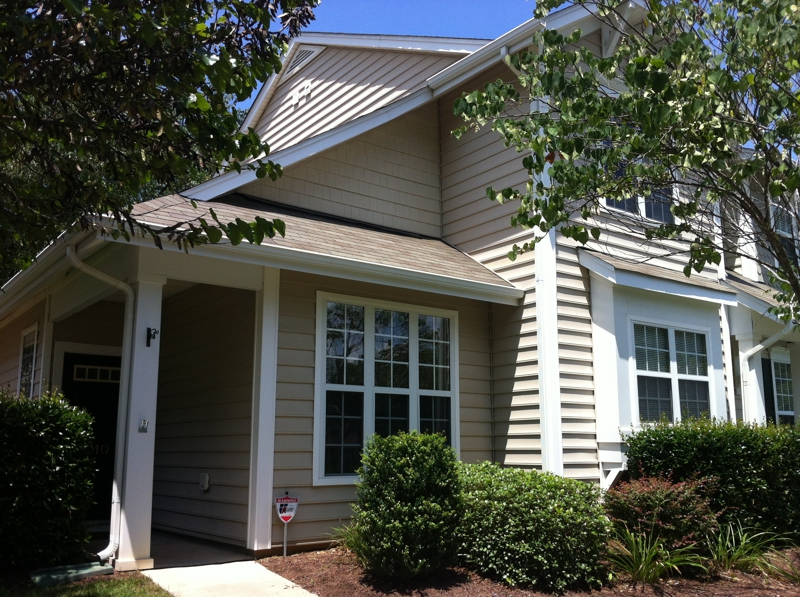 Great end unit townhome at ncsu 1st floor master and all for Townhomes with first floor master