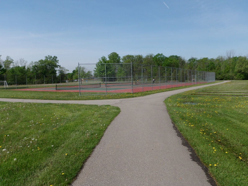 paved trails bicentennial park livonia michigan