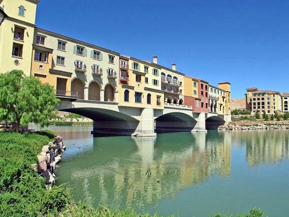 Lake Las Vegas Emerges From Bankruptcy A Glimmer Of Good News Finally