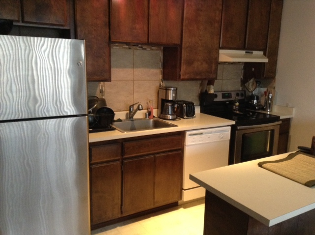 Woodside Condo in Sacramento - Short Sale - 2292 Woodside Ln #3