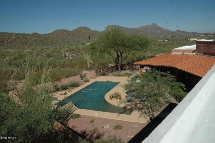 Unique arizona pool designs horse ranch in tucson for Pool design tucson