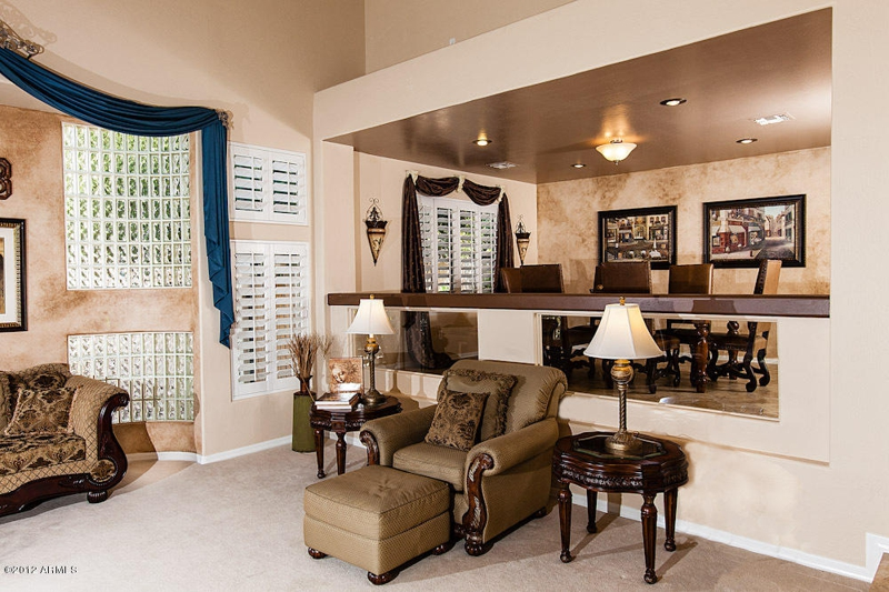 amazing mesa arizona homes for sale 5 bedroom close to 202 red mountain freeway and us60. Black Bedroom Furniture Sets. Home Design Ideas