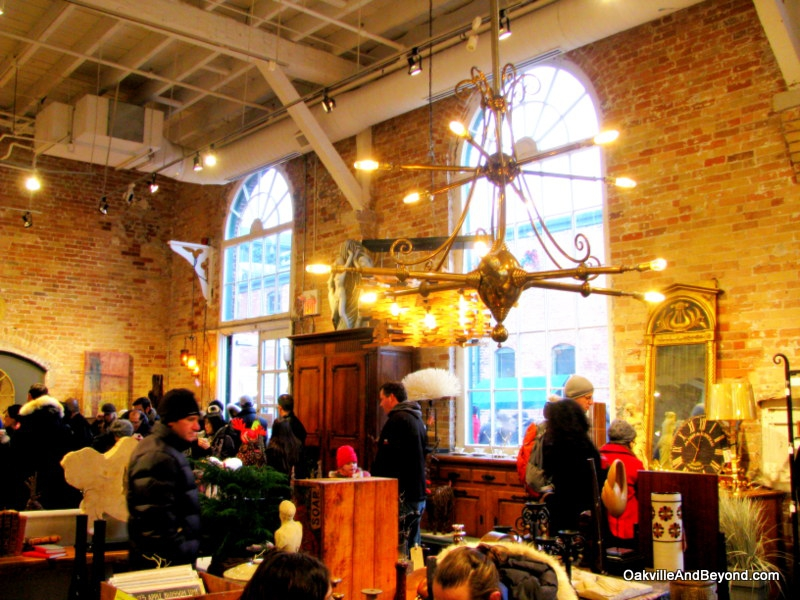 Shopping For Antiques at The Toronto Christmas Market