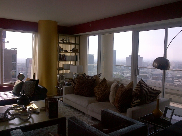 The residences at the w in hollywood ca 6250 hollywood for Living room 6250 hollywood blvd