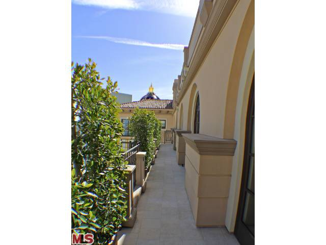 ultra luxury condominiums in Beverly Hills CA Endre Barath