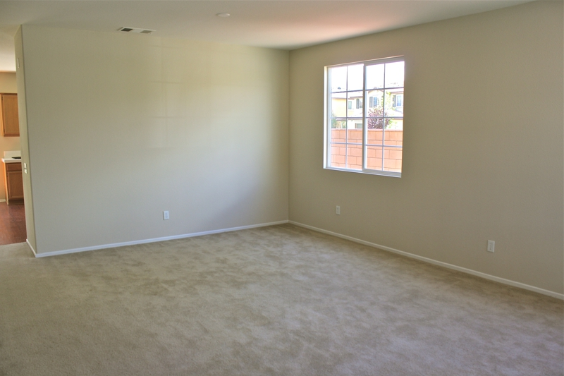 Murrieta Vacant Dining Room