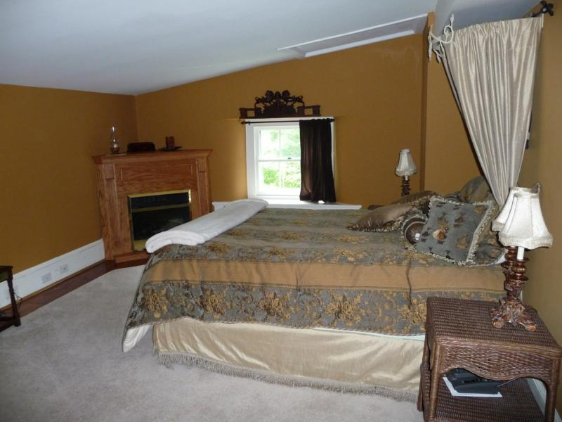 3rd fl. master bedroom