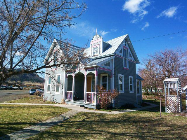 Classic Downtown La Grande Victorian Home For Sale