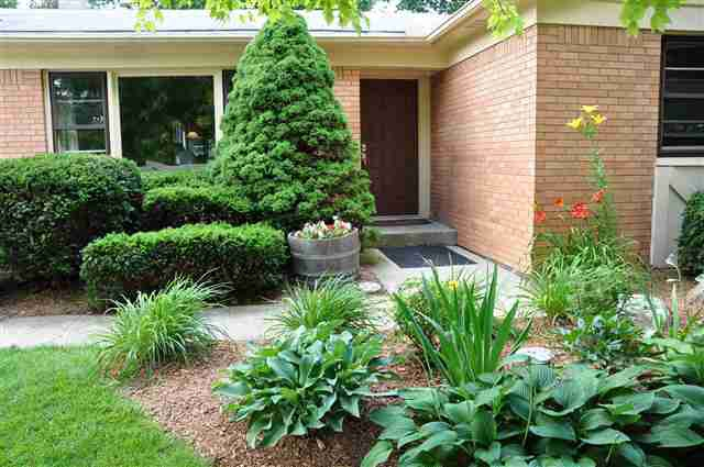 3 bedroom brick ranch house for sale in West Lafayette, IN with beautiful lawn close to Purdue University listed by Sharon and Bruce Walter at Keller Williams Realty in Lafayette, Indiana