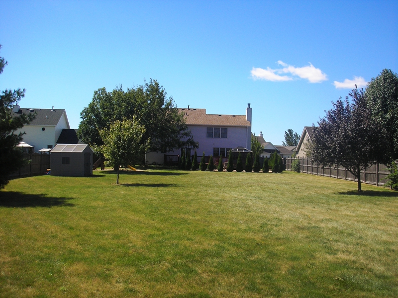 shorewood 4 bedroom home for sale on 1 2 acre fox