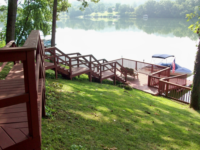Lakefront homes for sale on boone lake in piney flats tn for Boone cabins for sale
