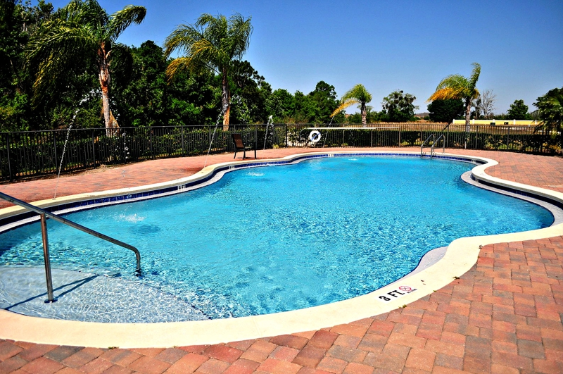 Pool Portofino Vista Town Homes in Saint Cloud, Florida For Sale