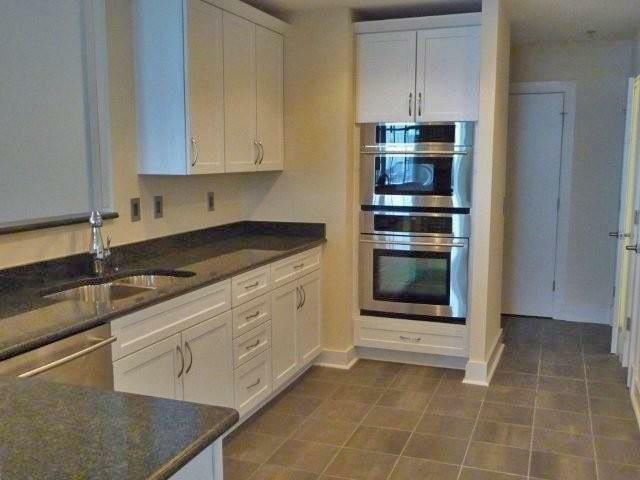 1400 Lancaster Street Kitchen