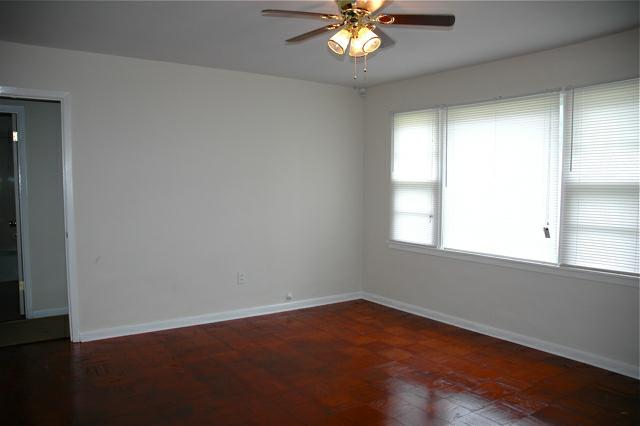 208 sunset drive in Lafayette, la - Living room