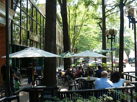 With Over Ninety Restaurants And Pubs Cered Around Main Street Greenville S Downtown Offers A Wide Variety