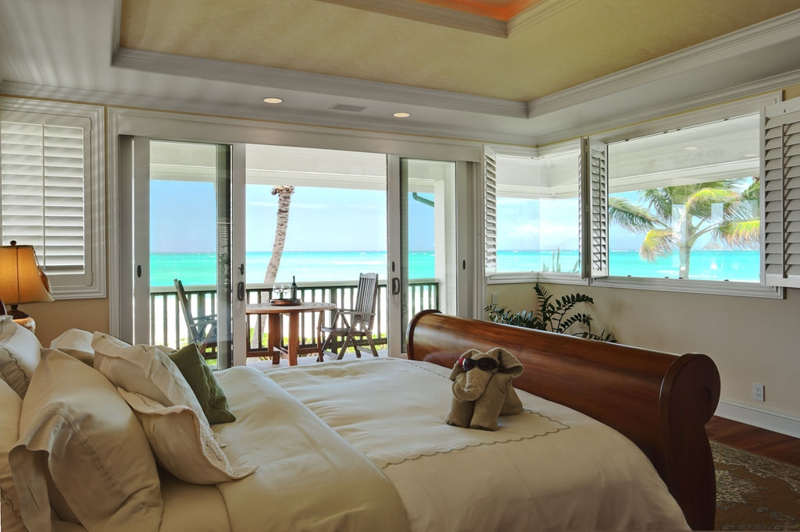 beachfront kailua home luxury homes on oahu owner is. Black Bedroom Furniture Sets. Home Design Ideas