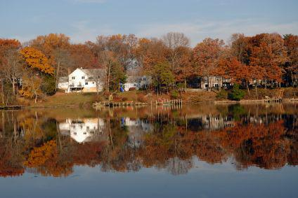 Waterfront homes along the Severn River