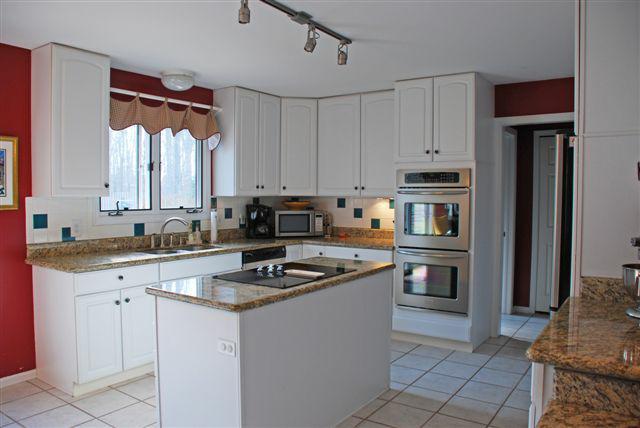 kitchen 6526 Woodbury Drive Solon Ohio