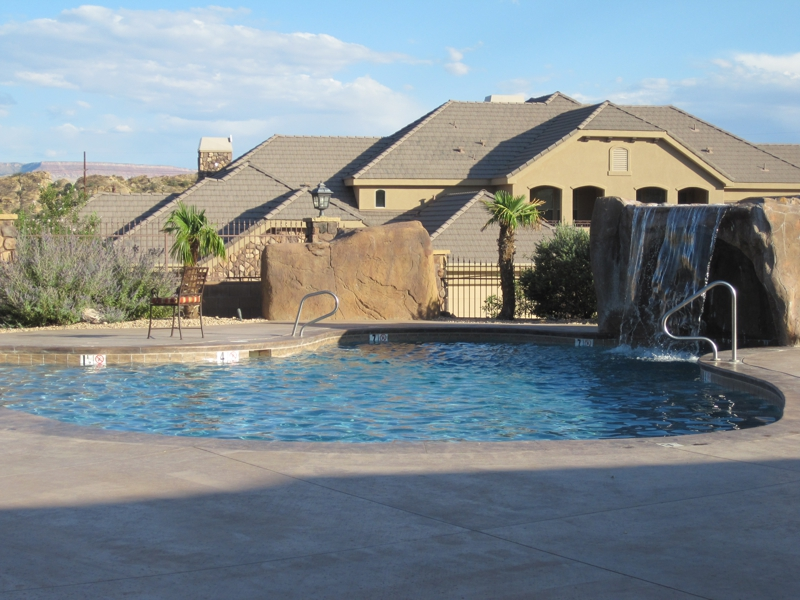 homes for sale in utah with swimming pools